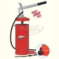 POMPA GRASSO LUB 8 COMPLETA (capacità 8kg) con tubo 1.5 m, rubinetto, tubetto e testinaMAESTRI